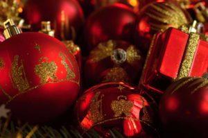 Vánoční ozdoby červeno-zlaté